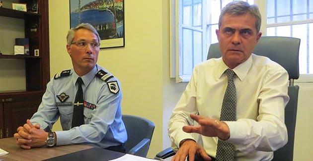 Jean-Philippe Reiland, Commandant de la section de recherches de la gendarmerie, et Dominique Alzeari, procureur de la République à Bastia.