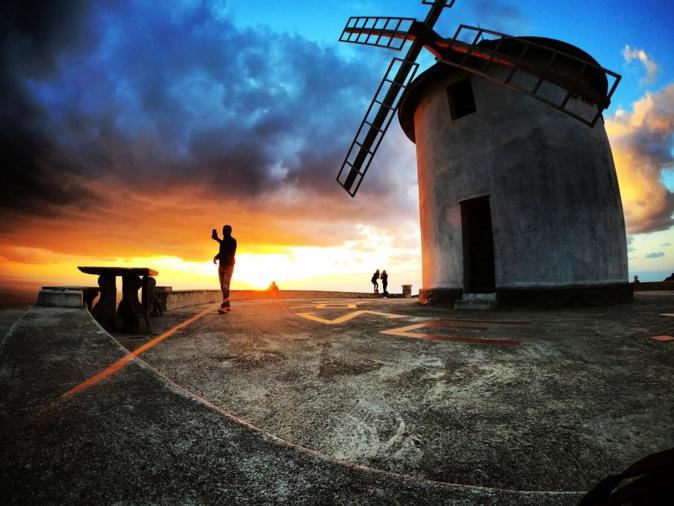 La photo du jour : lorsque le soleil descend sur le Moulin Mattei