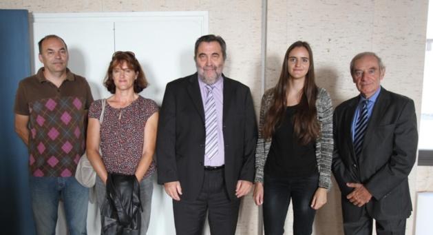 Guy Monchaux entouré de Gilles et Irène Maitre, Valentine Maitre et Alain Dabek (DRJSCS) / Photo Marilyne SANTI