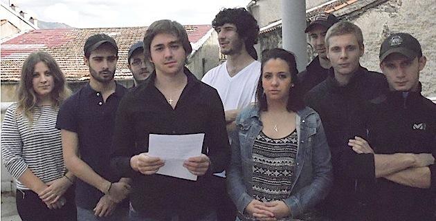 A Ghjuventù Indipendentista lors de la conférence de presse