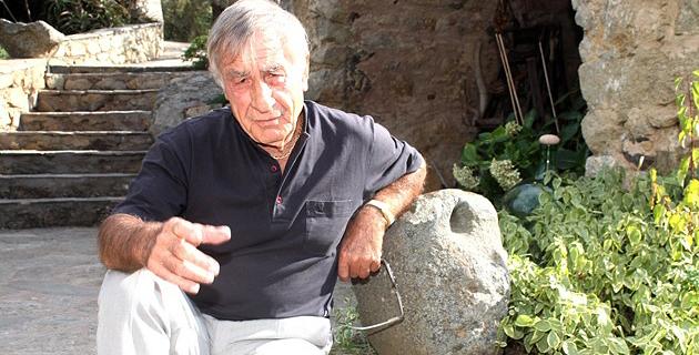 """Antoine Ciosi chante """"In Bastia"""" pour ses 50 ans de carrière"""
