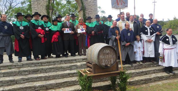 Patrimoniu célèbre San Martinu et goûte le vin nouveau