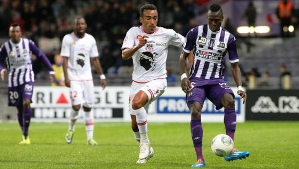 De retour comme titulaire à Toulouse, Eduardo n'est pas de trop, dans les moments difficiles...(Ritrattu : G. Pierlovisi AC Aiacciu)