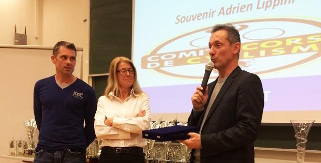Le président Paul Antoine Lanfranchi récompense Danielle Rossi et Christophe Santini (Photo SG)
