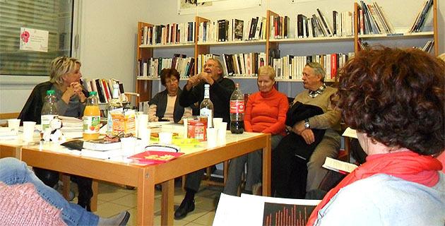 Jean-Claude Rogliano s'exprimant au sujet de son roman.