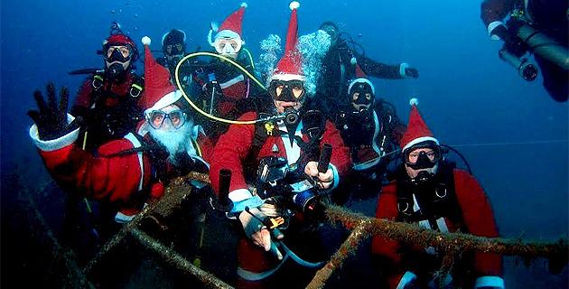 17 Pères Noël plongeurs à…Piscia di Gallu