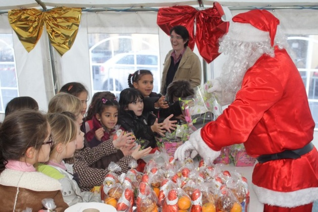 Patinoire et Père Noël pour les écoliers de Calvi