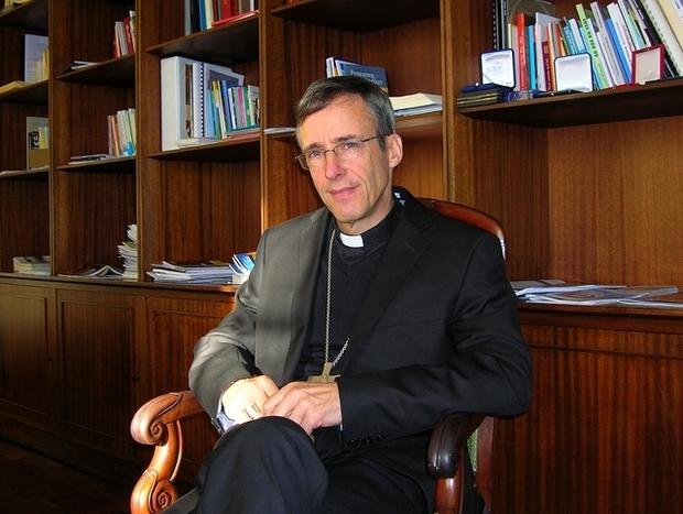 Invitant à « ne pas oublier la dimension religieuse » de Noël, Mgr Olivier de Germay rappelle « que toute personne humaine, sans exception, vaut plus que tout l'or du monde ». (Photo : Yannis-Christophe Garcia)