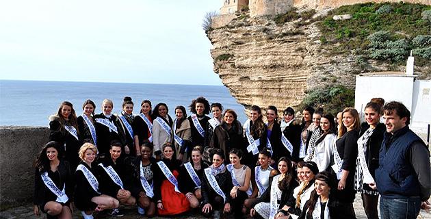 Les candidates au titre de Miss Prestige National 2014  à l'assaut de Bonifacio !
