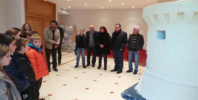 La tour de Miomo reconstituée par les élèves de Folelli