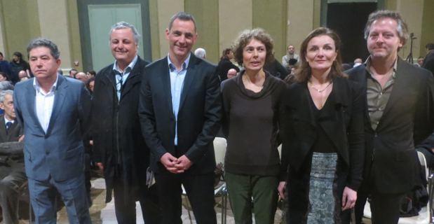 Les invités européens autour de François Alfonsi, député européen, et Gilles Simeoni.