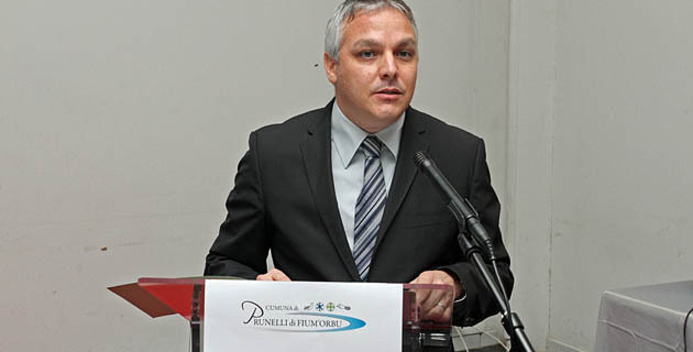Pierre Siméon de Buochberg maire de Prunelli di Fium'orbu a livré des sentiments personnels à l'occasion de son discours de voeux. (photo SG)
