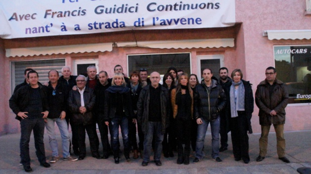 L'équipe sortante autour du Maire a dressé un bilan de la mandature. (Photo Stéphane Gamant).