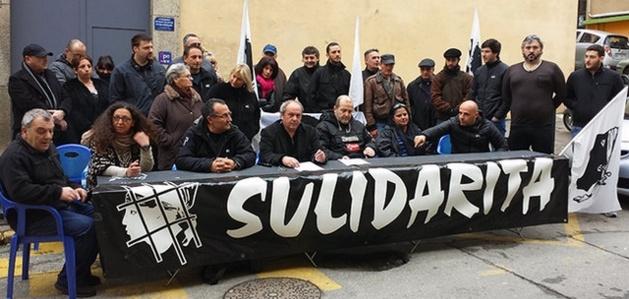 Une trentaine de militants se sont rassemblés pour dénoncer la situation carcérale de Charles Pieri. (DR)