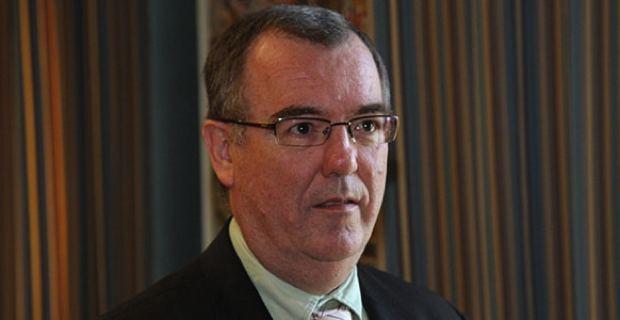 Paul-Marie Bartoli, maire sortant divers gauche de Propriano, président de la Communauté des communes du Sartenais-Valinco, conseiller exécutif territorial et président de l'Office des Transports.