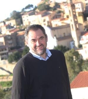 """Etienne Suzzoni et la liste """"Paese di Lumiu, campà inseme"""" à la rencontre des jeunes"""