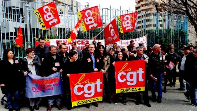 Effectifs des Finances et des Douanes en baisse : Rassemblement à Bastia