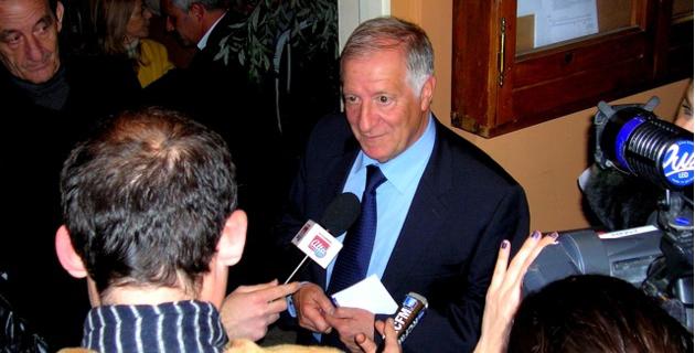 Le maire sortant d'Ajaccio Simon Renucci, en tête au premier tour avec 36,54% des voix, a exprimé ce dimanche soir sa satisfaction et sa détermination pour le second tour. (Photo : Yannis-Christophe Garcia)