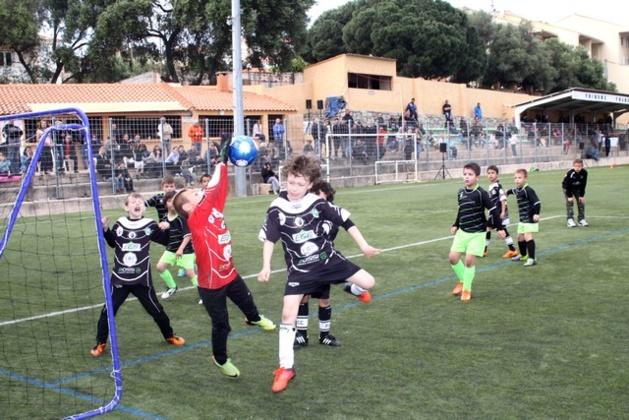"""Final du tournoi du FC Calvi : Du """"Baby Foot"""" pour les U8 et U9 !"""