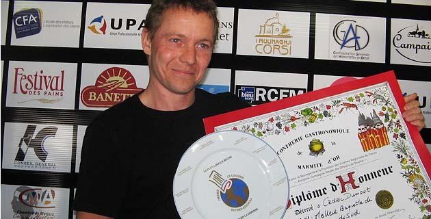 Cédric Dumont, vainqueur de la demi-finale de Corse du Sud du concours de la meilleure baguette de tradition de Corse du Sud