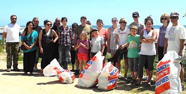 Prunelli-di-Fium'Orbu : Nettoyage de la plage de Calzarellu