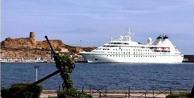 """""""Seabourn Spirit"""" : Escale à L'Ile-Rousse"""