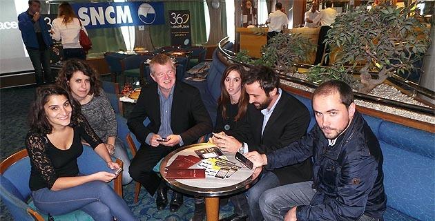 L'équipe de Deal ou Face en compagnie d'Etienne Lovisi