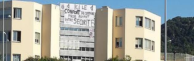 """""""Ici le confort de certains passe avant votre sécurité"""" : Un message explicite sur la façade des locaux du Sdis2A"""