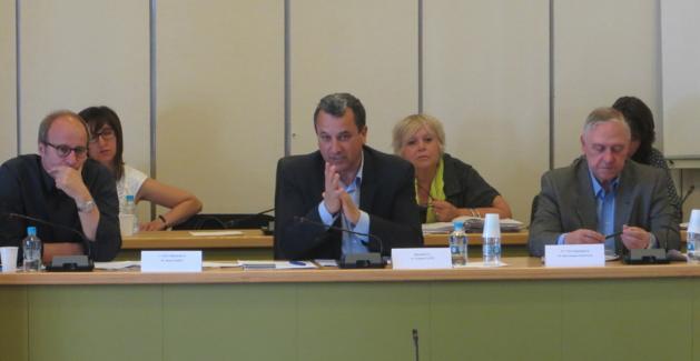 Michel Rossi, 1er vice-président, François Tatti, président de la CAB, et Jacky Padovani, 2ème vice-président.