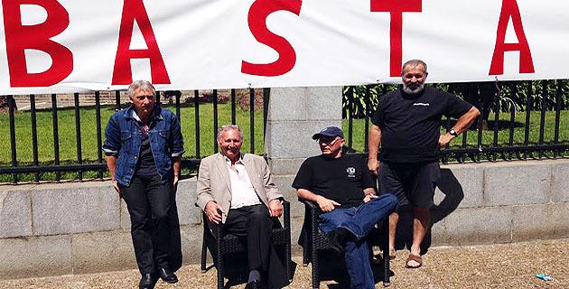 Jean-Paul Poletti et Jacques Fieschi devant la préfecture  « Il faut arrêter cette répression… »