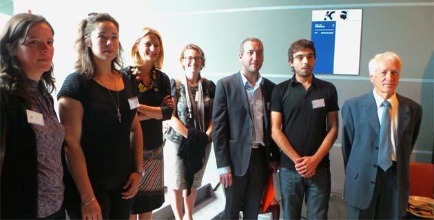 Docteurs et doctorants avec Marie-Antoinette Maupertuis (3e à partir de la gauche) et Joseph Puccini à droite.