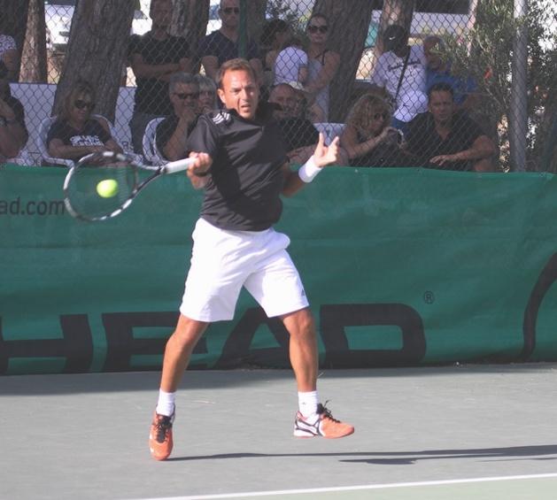Les champions de Corse 2014 de tennis seront connus lundi