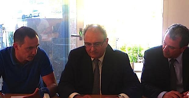 Gilles Simeoni, maire de Bastia, Paul Giacobbi, président de la Collectivité territoriale de Corse, et François Tatti, président de la Communauté d'agglomération de Bastia.