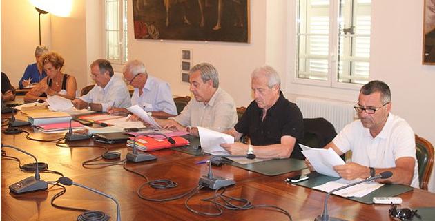 Conseil municipal de Calvi : Une séance-marathon menée au pas de charge