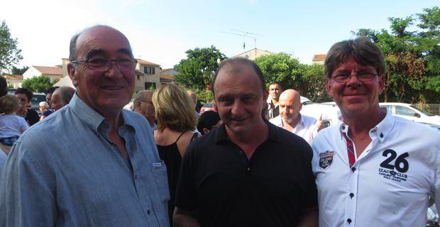 Joseph Castelli, président du Conseil général de Haute-Corse, et le chanteur Feli.