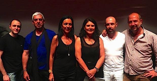Mattea Lacave, adjointe déléguée à la culture à la mairie de Bastia, entourée d'artistes corses.