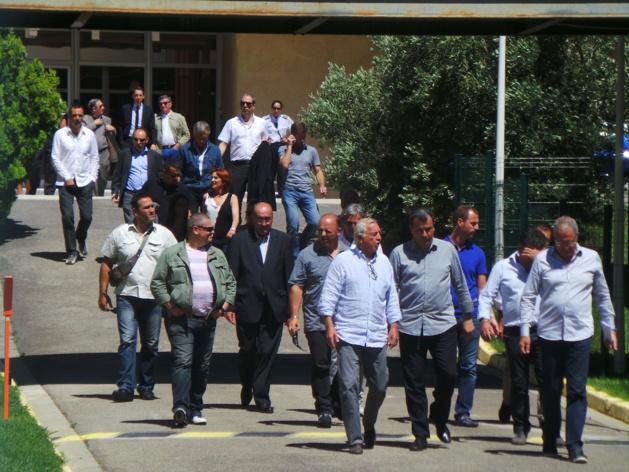 Les socioprofessionnels et les élus quittent la préfecture