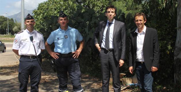 Jean Hayet, DDSP, commandant Bresset, David Myard et Alexandre Sarrola, maire de la commune venu saluer le directeur de cabinet
