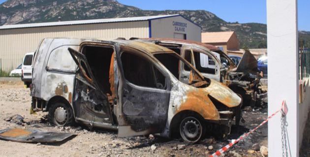 Six véhicules d'une SARL détruits par un incendie à la ZA de Calvi