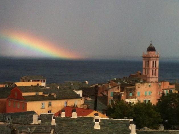 L'arcubalenu di Bastia