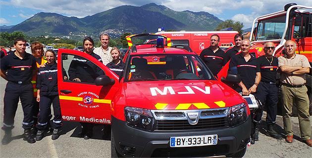 Secours : Un véhicule léger de soutien médicalisé (VLSM) en Costa Verde