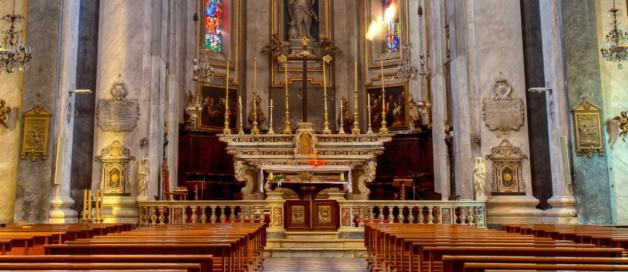 Le chœur de l'église Saint Jean-Baptiste sert d'écrin à un exceptionnel maître-autel du XVIIe siècle, en marbres polychromes. Il a été réalisé à Gênes  en 1693, par Honoré Pelé, un sculpteur d'origine marseillaise. ©Ville de Bastia – cl. Jean-François Bumbt.