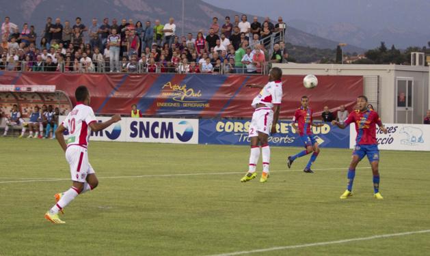 Derby : L'ACA plus réaliste face à un GFCA diminué et timide (2-0)