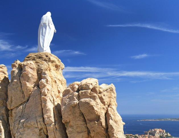 Mgr de Germay Evêque de Corse présidera le pèlerinage de Notre-Dame de la Serra à Calvi
