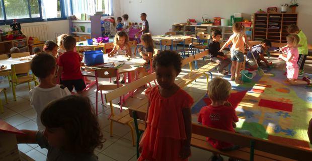 Les classes de maternelle.