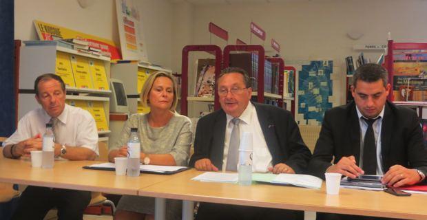 Antoine Chelelekian, IEN de circonscription, Catherine Mercier-Benhamou, inspectrice d'académie – directrice académique de Haute-Corse, Michel Barat, recteur de l'Académie de Corse, et Jean-Luc Giocanti, directeur de cabinet.