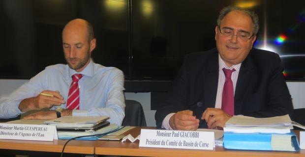 Martin Guespereau, directeur de l'agence de l'eau, et Paul Giacobbi, député, président de l'Exécutif territorial et président du comité de bassin de Corse.