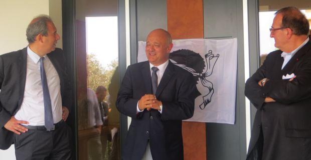 Jean Zuccarelli, président de l'ADEC, Jean Nicolas Antoniotti, fondateur des Demeures corses et de Nova, et Christian Louis Victor, président de l'Union des maisons françaises (UMF).