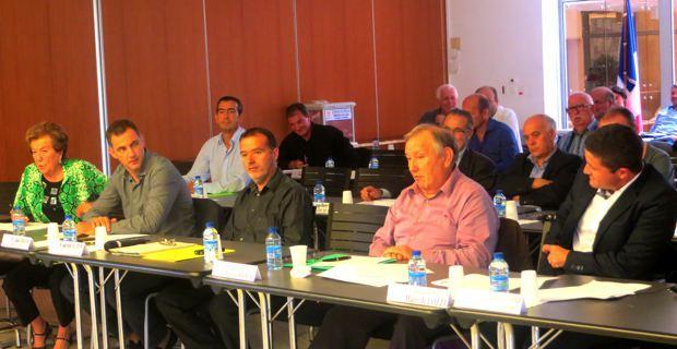 Les maires de Haute-Corse siègant à la Commission départementale de la coopération intercommunale (CDCI).