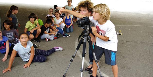 """""""Des clics et des classes"""" : L'art et la culture s'invitent à l'école primaire"""